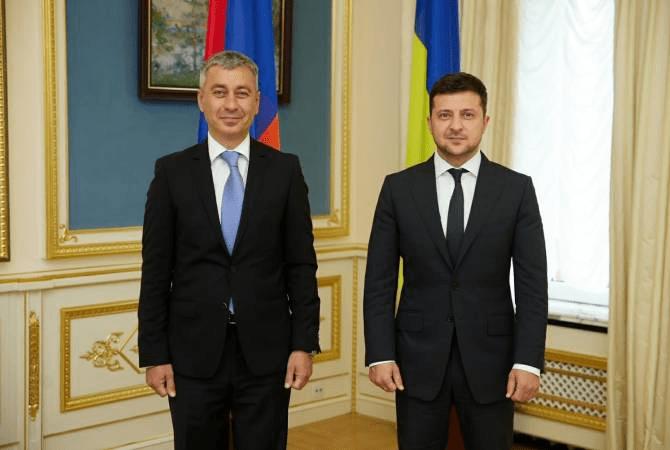 Նախագահ Զելենսկին խնդրել է իր ջերմ ողջույնները փոխանցել ՀՀ վարչապետին