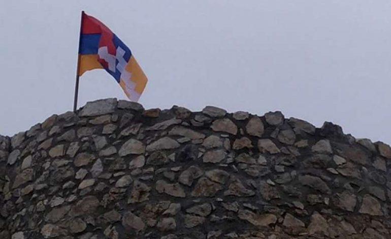 Ամարաս վանքի վրայից Արցախի դրոշը իջեցվել է ռուս խաղաղապահների միջնորդությամբ. Մաճկալաշեն համայնքի ղեկավար