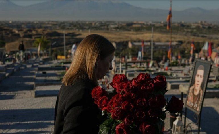 ԱՄՆ դեսպան Լին Թրեյսին այցելել է «Եռաբլուր»