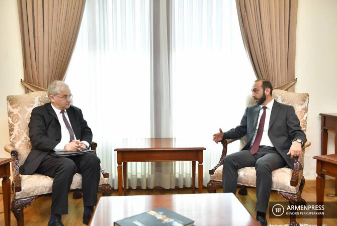 ԵԱՀԿ Միրնսկի խմբի ռուս համանախագահը Երևանում հանդիպել է Արարատ Միրզոյանի հետ