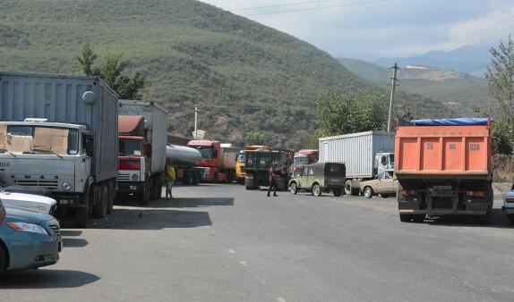 Ադրբեջանցիները ազատ արձակեցին Գորիս-Կապան ճանապարհին ձերբակալված իրանցի վարորդներին