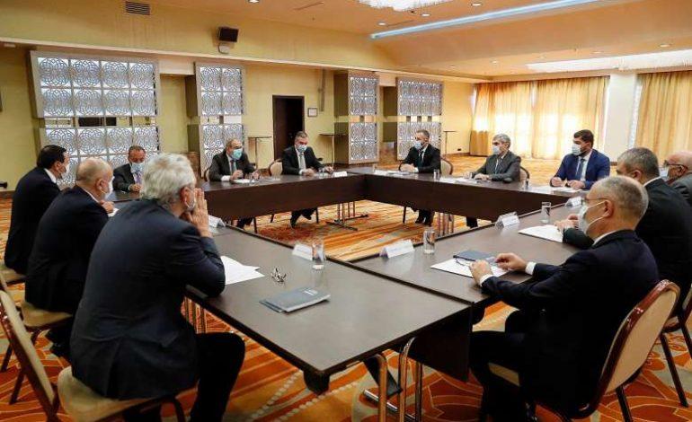 Նիկոլ Փաշինյանը կրկին հանդիպել է արտախորհրդարանական քաղաքական ուժերի հետ