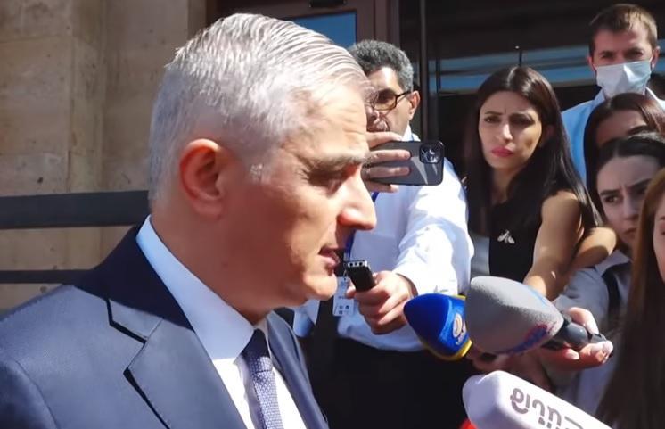 Вопрос вице-премьеру: Почему ведутся переговоры с Азербайджаном, если пока не возвращены пленные?