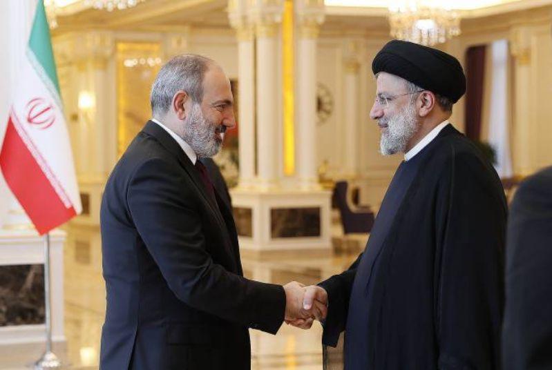 ВИДЕО: Никол Пашинян провел встречу с президентом Ирана