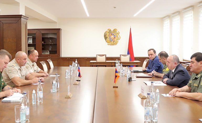 ՀՀ պաշտպանության նախարարն ընդունել է Արցախում Ռուսաստանի Դաշնության խաղաղապահ ուժերի նորանշանակ հրամանատարին