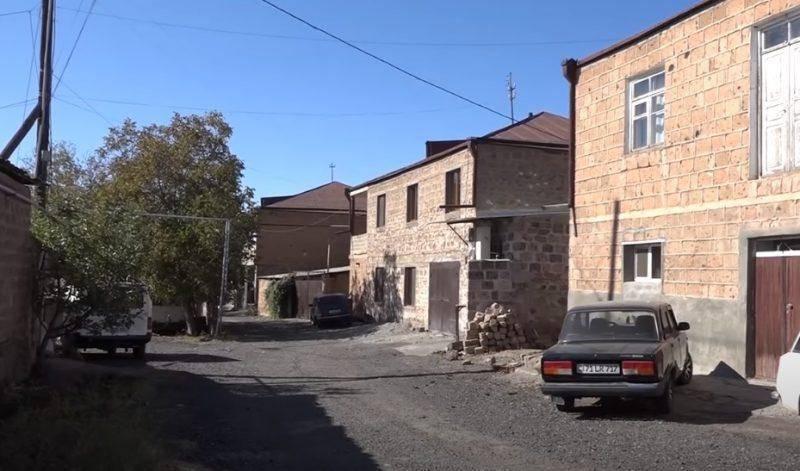 ՏԵՍԱՆՅՈՒԹ. Երեկ այս տանն է տեղի ունեցել ողբերգությունը՝ հատակին գտել են  իրար գրկած 2 քույրերին. մի քանի օրից մեծ քրոջ հարսանիքն էր