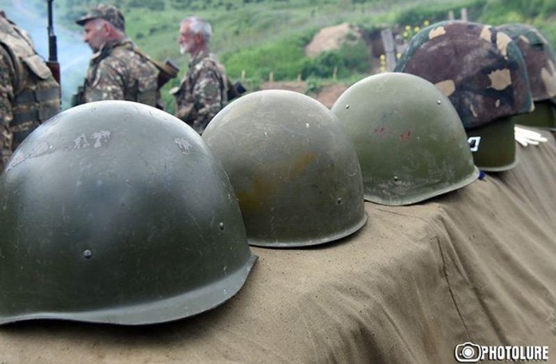 Оппозиция обвинила власти Армении в отсутствии списков погибших в Арцахской воне военнослужащих. Министр обороны прокомментировал